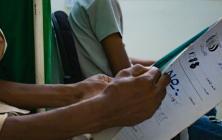 """آلاف مرضى الإيدز في اليمن.. قصة """"سامي"""""""