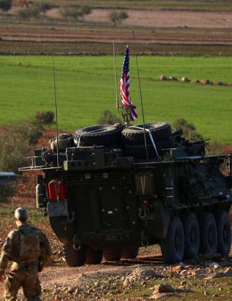 سيناتور أمريكي يتهم إيران بشن هجوم على قاعدة استراتيجية لبلاده في سوريا