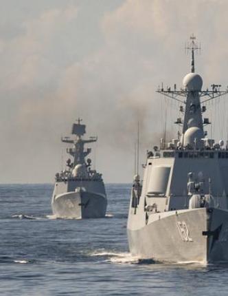 كاسحات ألـغام أمريكية تدخل البحر الأحمر مع تصاعد التهديد الحوثي