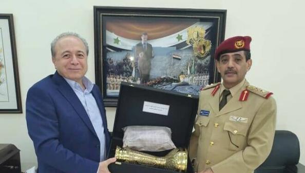 قيادي ميليشياوي حوثي يلتقي مسؤولا باستخبارات الأسد العسكرية في دمشق