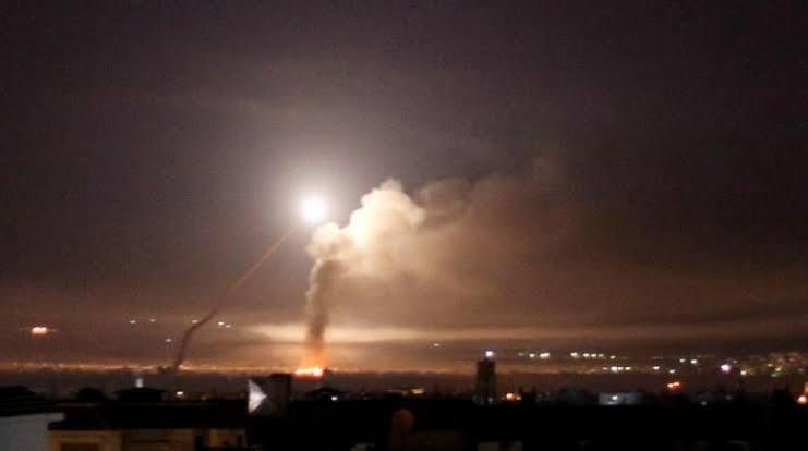 الجيش الإسرائيلي قال إن الانفجار قرب مفاعل ديمونا وقع نتيجة لصاروخ سوري مضاد للطائرات تجاوز هدفه