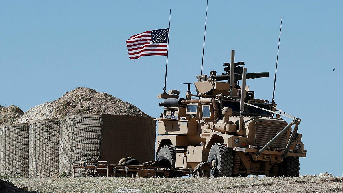 زادت الهجمات على القوات الأمريكية وعلى العسكريين أو القواعد التي يعملون بها في العراق واتسع نطاقها إلى شرق سوريا